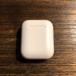 Apple first gen airpod case (CASE ONLY)
